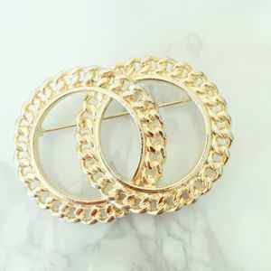 Gold Tone Circle Vintage Brooch Pinup